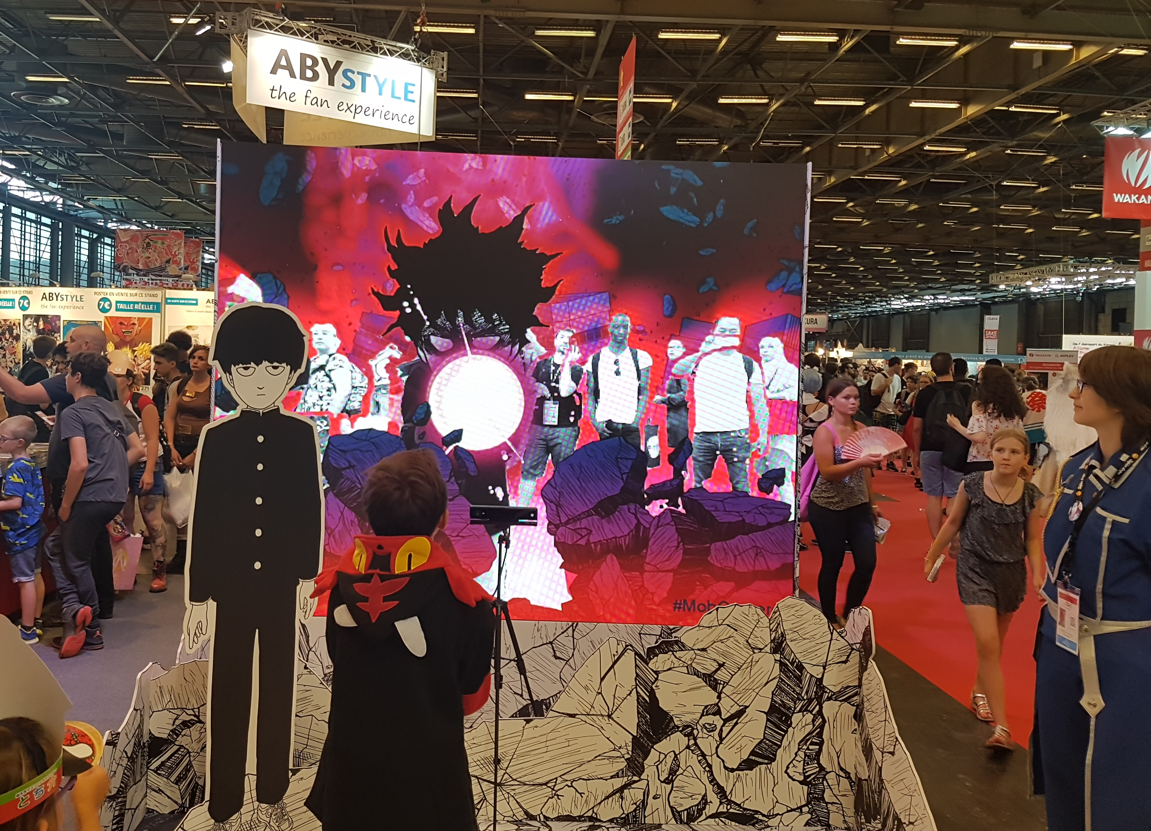 Japan Expo Les Stands : Japan expo dans les allées stands kazé et
